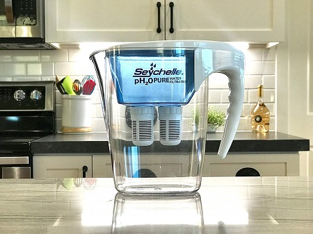 seychelle filtered water pitcher